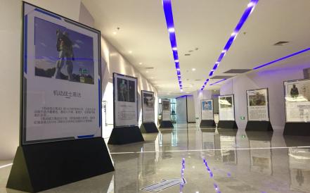 發揮科普教育功能 兩江機器人展示中心為海外華裔青少年提供學習交流